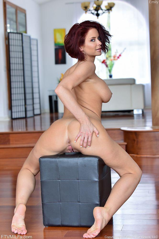 Sexy milf naked Hot Naked