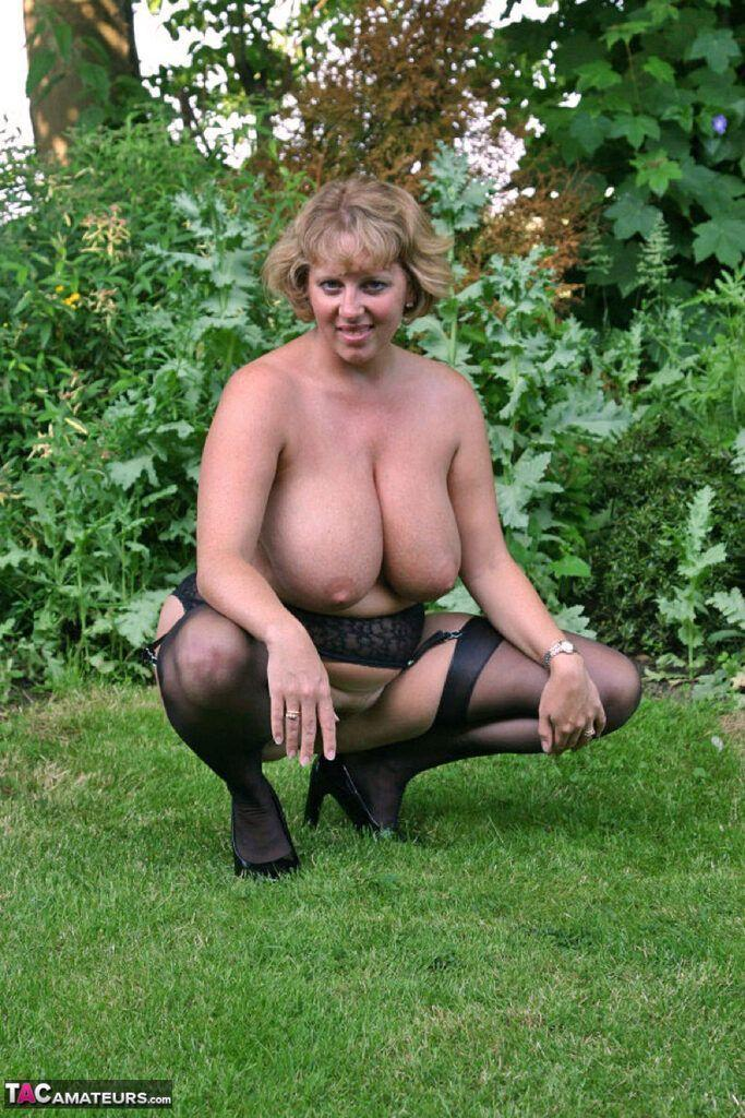 Whirly reccomend Sexy beautiful older wife exhibitionist