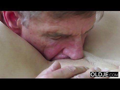 Deep throat after cumshot