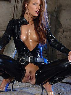 Latex slut tgp
